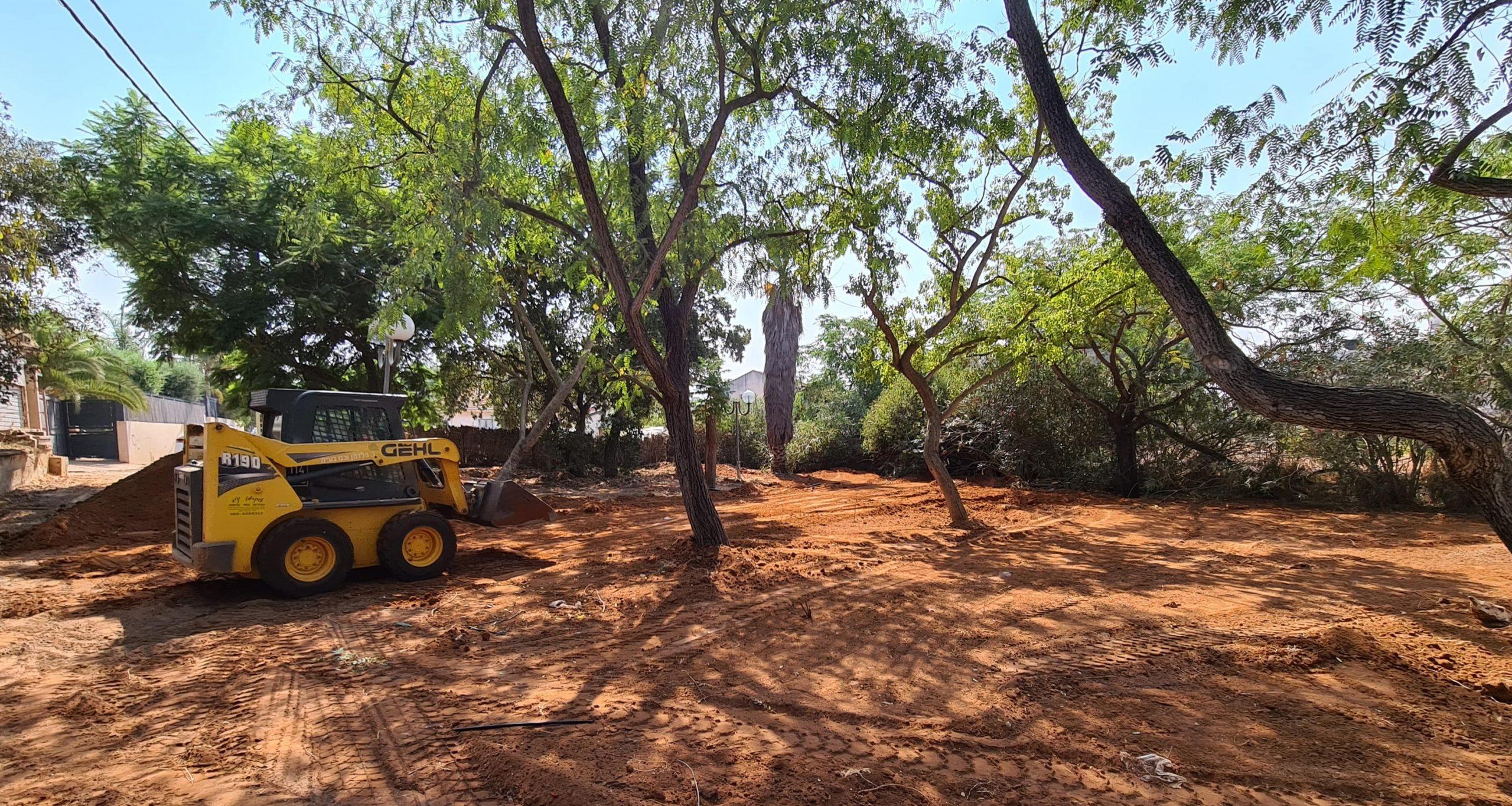 פיתוח גינה ציבורית בפרדס חנה