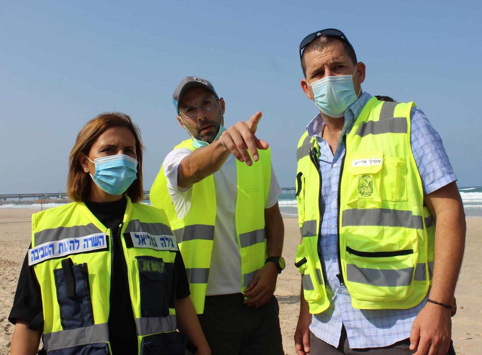 השרה גילה גמליאל וצוות מערך חירום