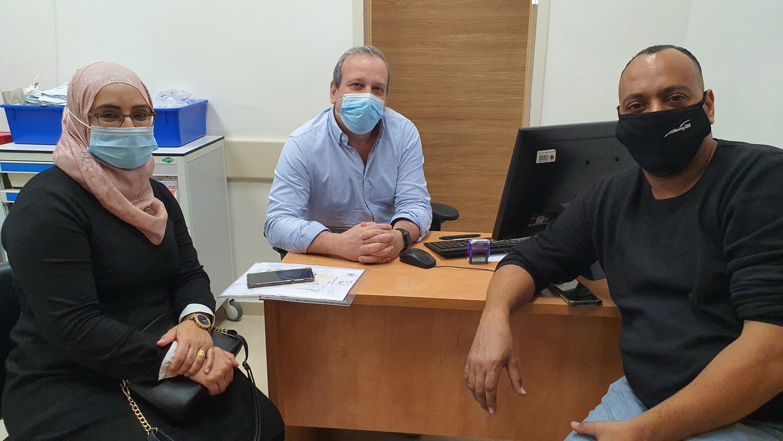 אמנה ומוחמד גאמל בביקורת השבוע אצל דר חיימוביץ במרפאה בהלל יפה