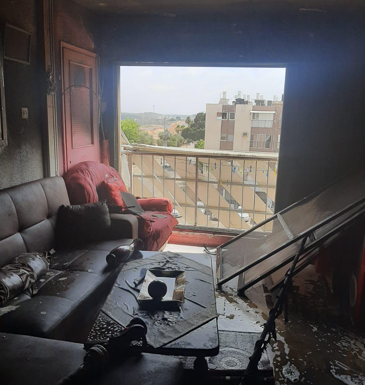 הדירה השרופה