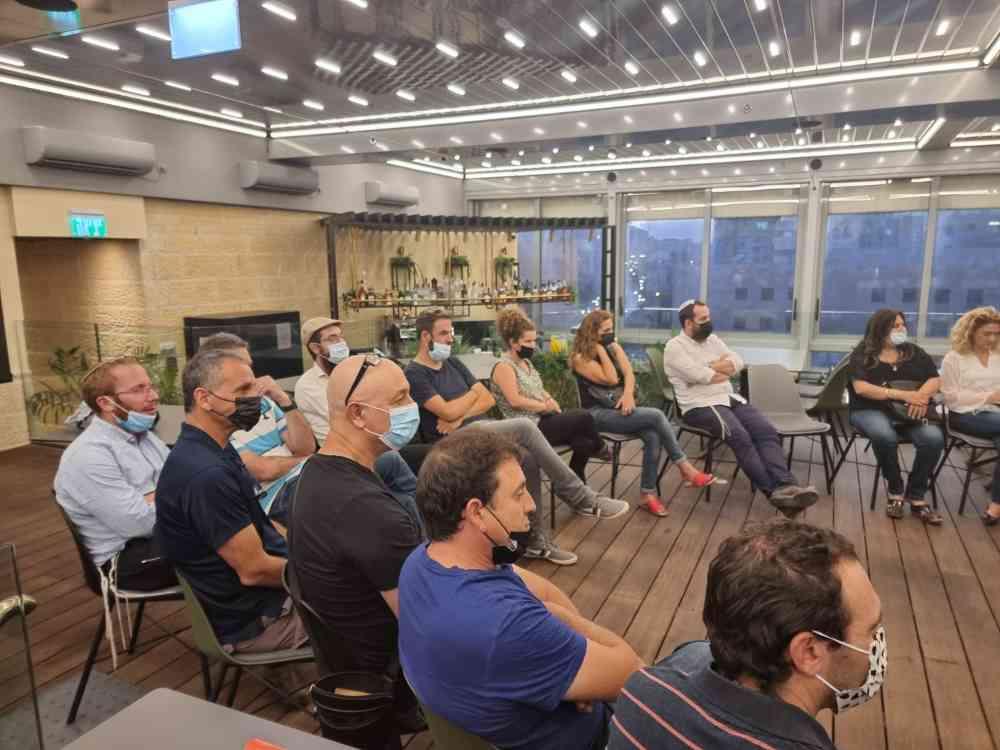 """מנהלי בתי הספר היסודיים והעל יסודיים בחדרה יצאו בשבוע שעבר לסמינר מיוחד בן יומיים בירושלים תחת הכותרת """"הסיפורים מאחורי האנשים"""""""