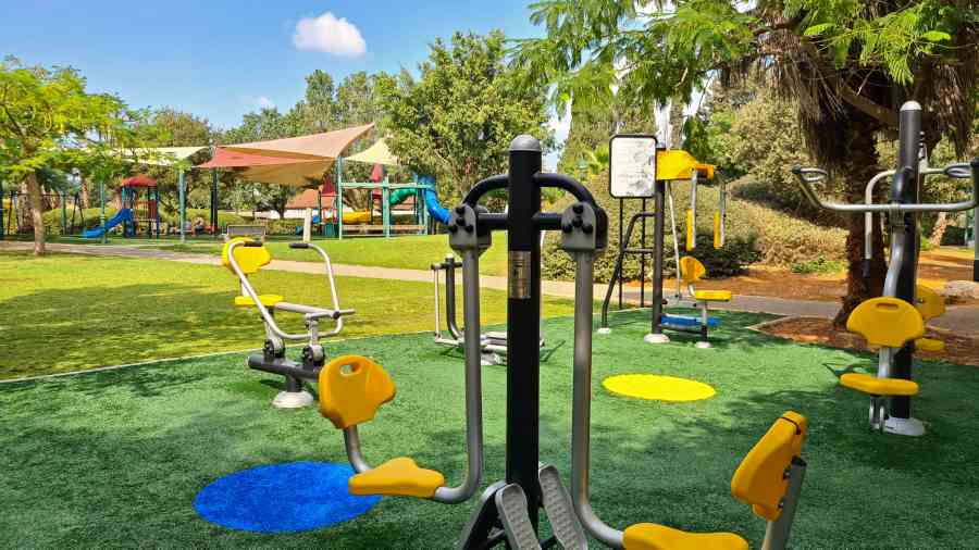 גן בילבי. המועצה השלימה העבודות בגן הציבורי שהתחדש; זאת כחלק ממיזם להצבת מתקני ספורט ציבוריים בעשרה מתחמים ברחבי פרדס חנה - כרכור.
